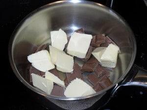 chocolat er beurre 300x225 Brownie aux framboises et crème de Chamallows