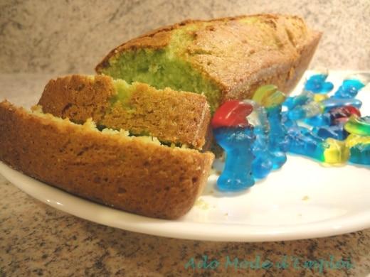 cake aux schtroumfs Un cake aux schtroumpfs tout vert vraiment schtroumfant qui va vous schtroumfer les papilles