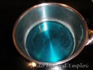 sirop bleu 300x225 Un cake aux schtroumpfs tout vert vraiment schtroumfant qui va vous schtroumfer les papilles