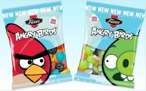angry birds 300x187 Les Bonbons Geek débarquent sur la planète internet