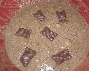 Préparation gâteau aux nounours et hérissons