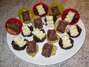 Bouchées de céréales au chocolat et nounours à la guimauve